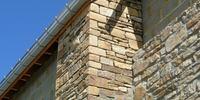 Faire construire une annexe de maison en pierre à Namur: quels matériaux  choisir?