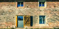 Transformation peu coûteuse d'une grange en maison à Bonneville